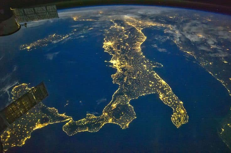 Vista dal satellite Italia